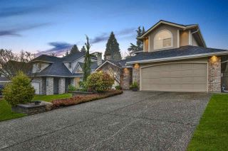 """Photo 2: 21533 86A Crescent in Langley: Walnut Grove House for sale in """"Forest Hills"""" : MLS®# R2423058"""