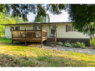 "Photo 3: 23760 68 Avenue in Langley: Salmon River House for sale in ""Williams Park"" : MLS®# R2496536"