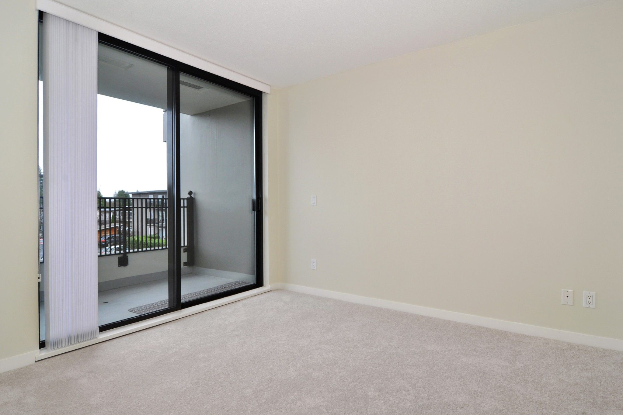 """Photo 9: Photos: 312 7138 COLLIER Street in Burnaby: Highgate Condo for sale in """"STANDFORD HOUSE"""" (Burnaby South)  : MLS®# R2224760"""