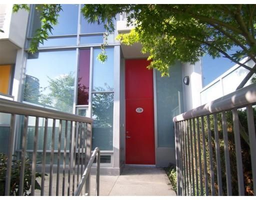 Main Photo: 118 DUNSMUIR ST in Vancouver: Condo for sale : MLS®# V800543