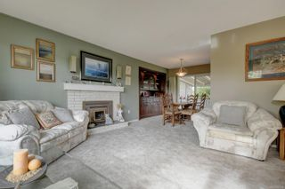 Photo 4: 2057 Piercy Ave in : Si Sidney North-East House for sale (Sidney)  : MLS®# 887084