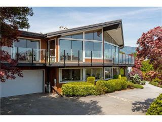 "Photo 2: 1403 CHIPPENDALE Road in West Vancouver: Chartwell House for sale in ""CHARTWELL"" : MLS®# R2235485"