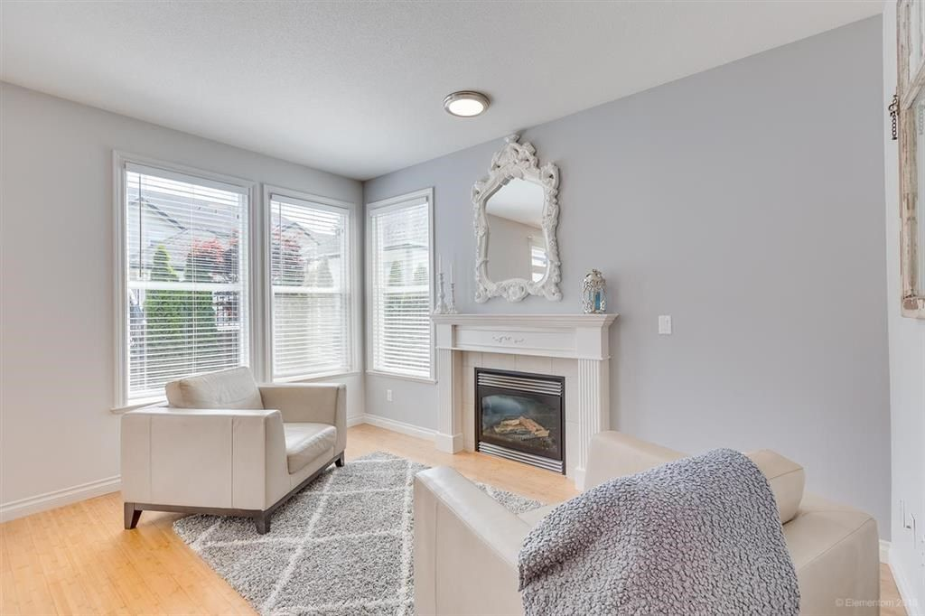 """Photo 8: Photos: 7014 179A Street in Surrey: Cloverdale BC Condo for sale in """"TERRACES AT PROVINCETON"""" (Cloverdale)  : MLS®# R2391476"""