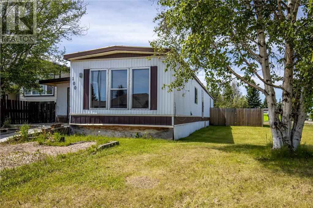 Main Photo: 100 5 Street SW in Slave Lake: House for sale : MLS®# A1128249