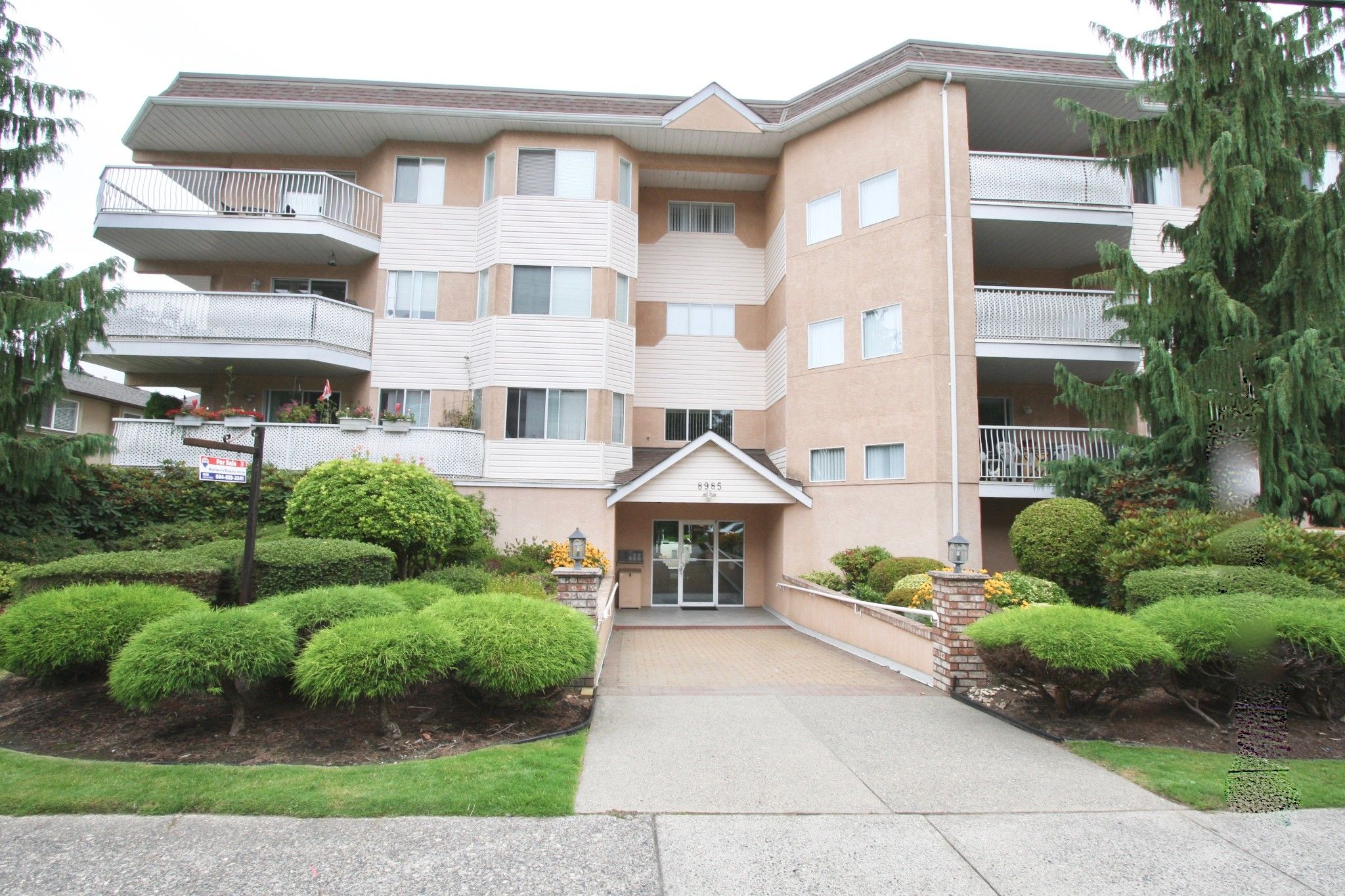 Main Photo: 207 8985 Mary Street in Chilliwack: Chilliwack W Young-Well Condo for sale