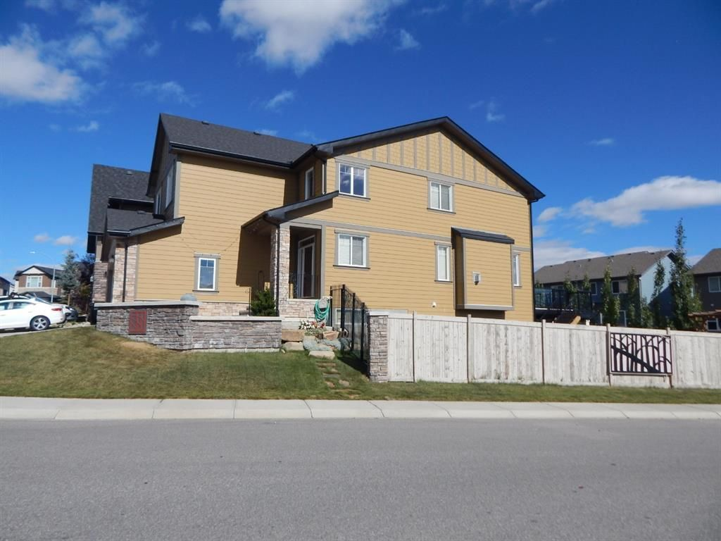 Photo 2: Photos: 215 Panatella View in Calgary: Panorama Hills Detached for sale : MLS®# A1046159