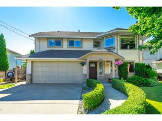 Photo 1: 9015 204 ST Street in Langley: Walnut Grove House for sale : MLS®# R2591362
