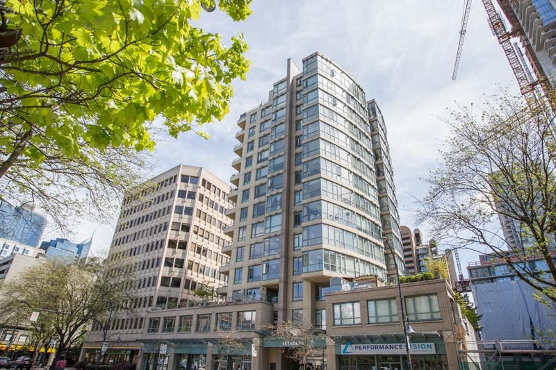 "Main Photo: 908 1238 BURRARD Street in Vancouver: Downtown VW Condo for sale in ""Altadena"" (Vancouver West)  : MLS®# R2455067"