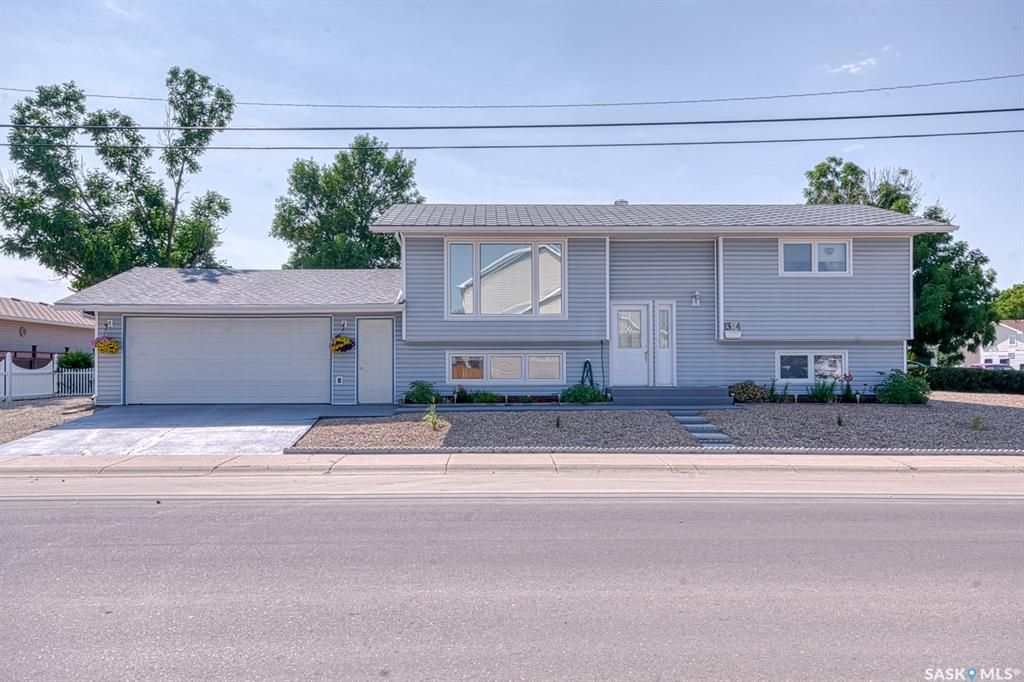 Main Photo: 1304 16th Avenue Southwest in Moose Jaw: Westmount/Elsom Residential for sale : MLS®# SK863170