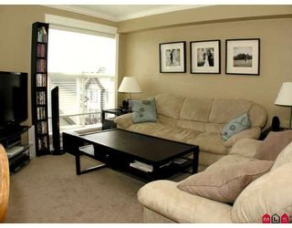 """Photo 2: 304 8933 EDWARD Street in Chilliwack: Chilliwack W Young-Well Condo for sale in """"KING EDWARD"""" : MLS®# H2903328"""