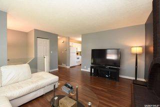 Photo 4: 42 Greenwood Crescent in Regina: Normanview West Residential for sale : MLS®# SK773108