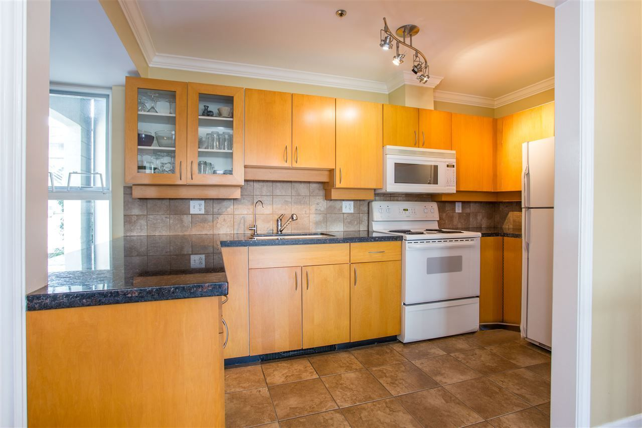 Photo 9: Photos: 2232 YORK Avenue in Vancouver: Kitsilano Townhouse for sale (Vancouver West)  : MLS®# R2255539
