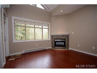 Photo 3: 102 2120 Harrow Gate in VICTORIA: La Bear Mountain Row/Townhouse for sale (Langford)  : MLS®# 753504