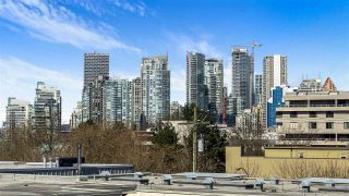 "Photo 2: 306 629 W 7TH Avenue in Vancouver: Fairview VW Condo for sale in ""The Courtyards"" (Vancouver West)  : MLS®# R2557856"