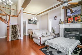 Photo 3: 14763 67B Avenue in Surrey: East Newton House for sale : MLS®# R2061079
