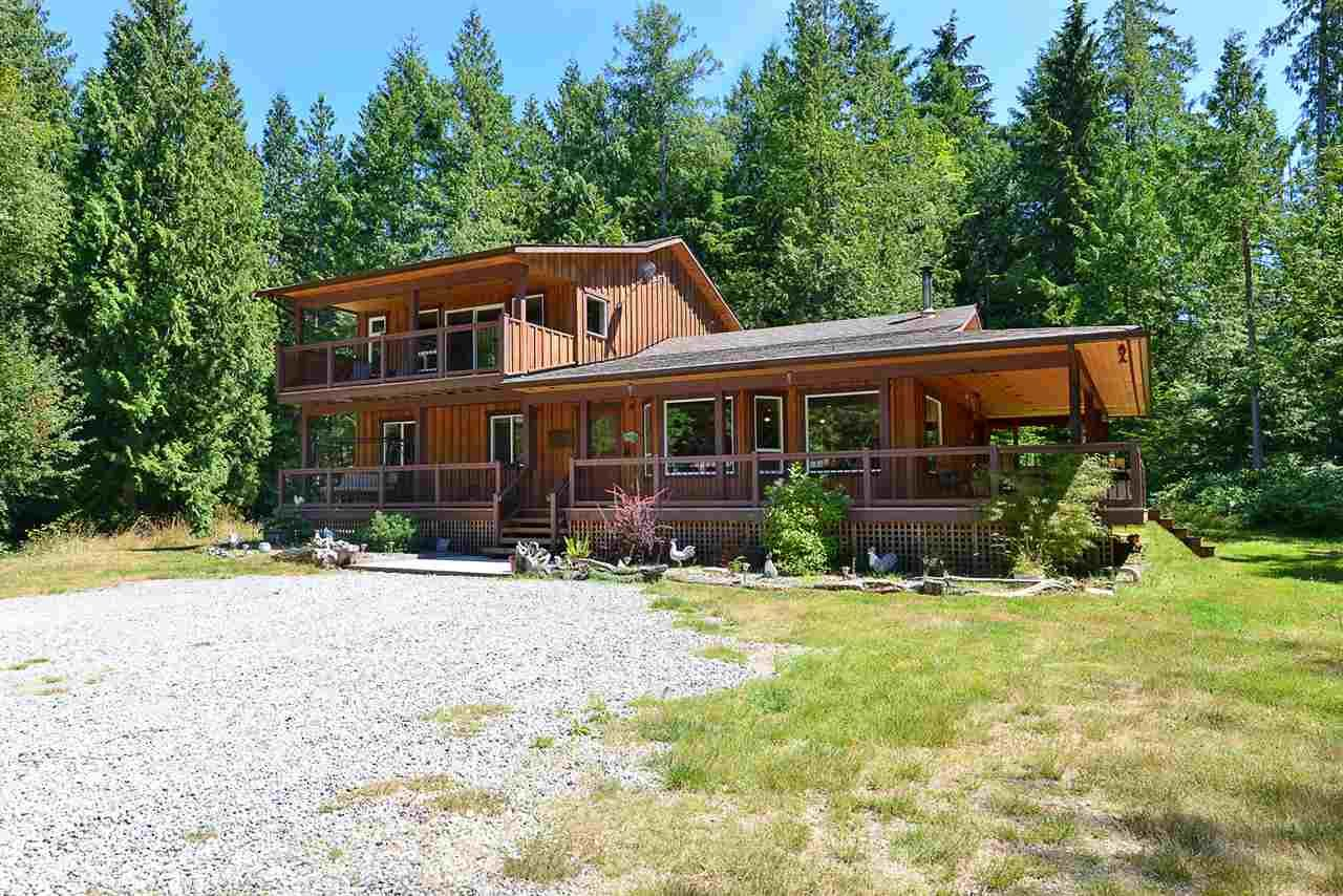 Main Photo: 6139 REEVES Road in Sechelt: Sechelt District House for sale (Sunshine Coast)  : MLS®# R2553170
