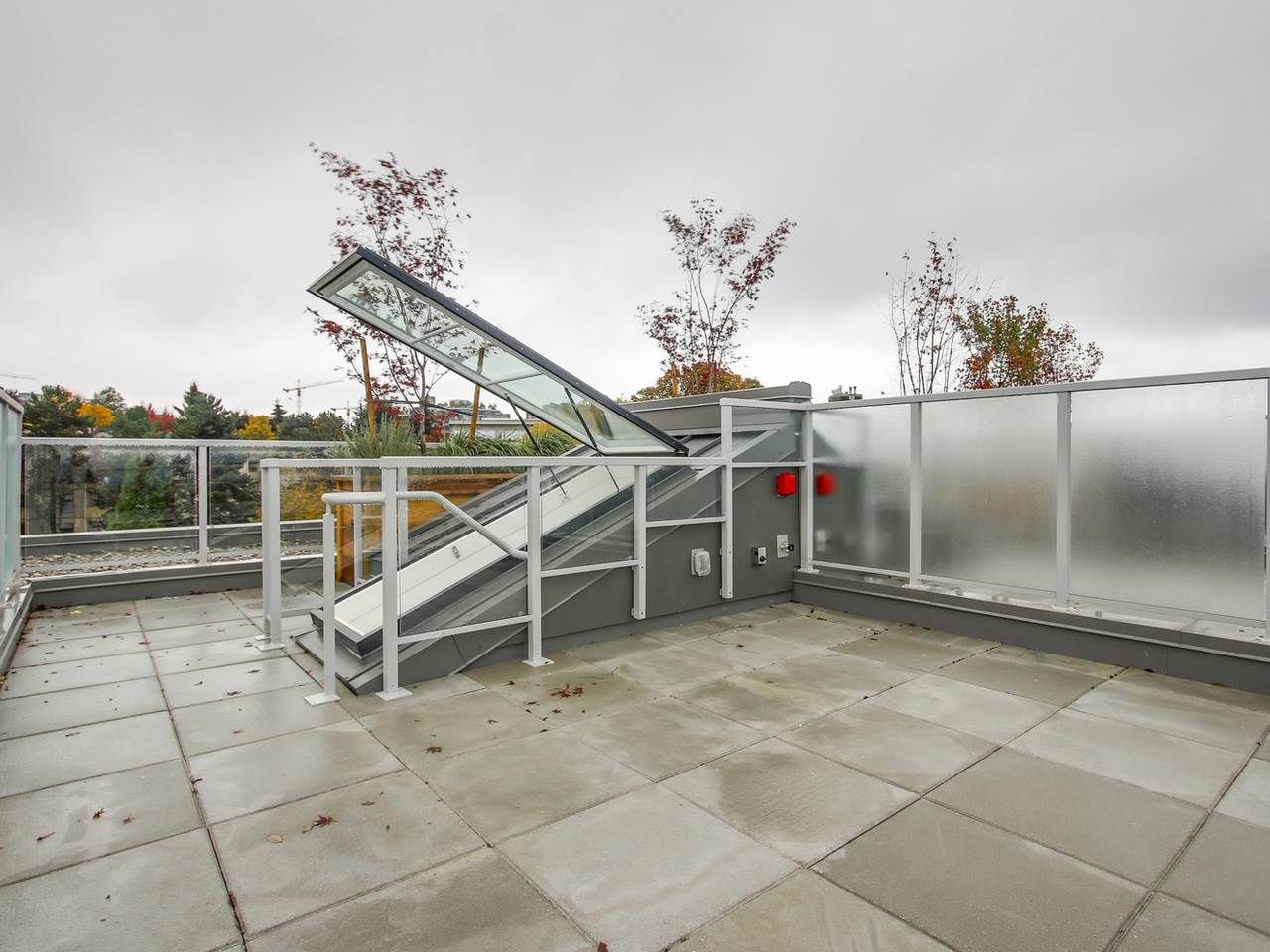 """Photo 12: Photos: 604 417 GREAT NORTHERN Way in Vancouver: Mount Pleasant VE Condo for sale in """"CANVAS"""" (Vancouver East)  : MLS®# R2118078"""