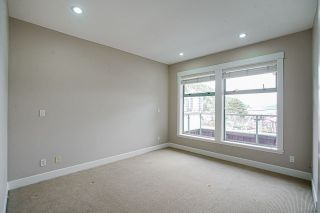 """Photo 8: 201 6688 ROYAL Avenue in West Vancouver: Horseshoe Bay WV Condo for sale in """"GALLERIES ON THE BAY"""" : MLS®# R2569276"""