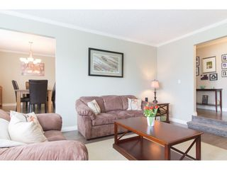 Photo 4: 26874 32A Avenue in Langley: Aldergrove Langley House for sale : MLS®# R2261824
