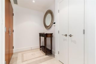 """Photo 4: 803 323 JERVIS Street in Vancouver: Coal Harbour Condo for sale in """"ESCALA"""" (Vancouver West)  : MLS®# R2591803"""