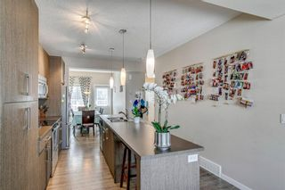 Photo 4: 227 Marquis Lane SE in Calgary: Mahogany Row/Townhouse for sale : MLS®# A1101562