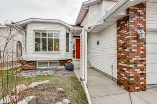 Photo 3: 81 Shannon Circle SW in Calgary: Shawnessy House for sale : MLS®# C4181301