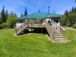 Photo 5: 404 Whaletown Rd in CORTES ISLAND: Isl Cortes Island House for sale (Islands)  : MLS®# 843159
