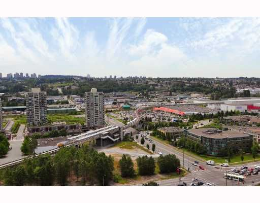 """Photo 7: Photos: 2105 4132 HALIFAX Street in Burnaby: Brentwood Park Condo for sale in """"MARQUIS GRANDE"""" (Burnaby North)  : MLS®# V743269"""