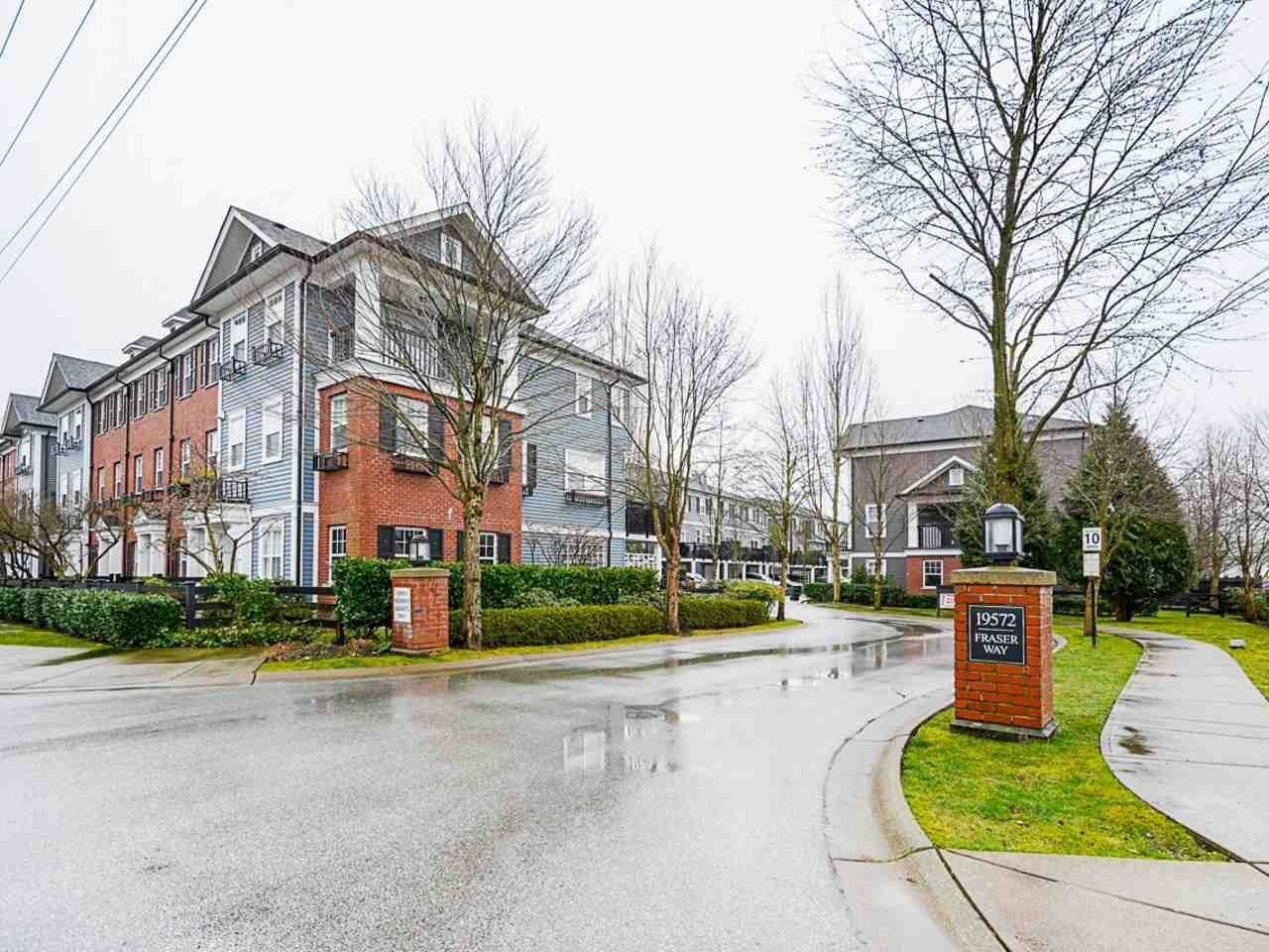 Main Photo: 30 19572 FRASER WAY in Pitt Meadows: South Meadows Townhouse for sale : MLS®# R2540843