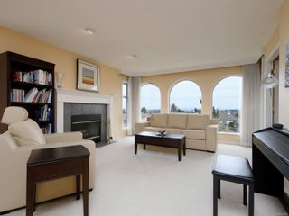 Photo 2: 2521 Emmy Pl in : CS Tanner House for sale (Central Saanich)  : MLS®# 871496