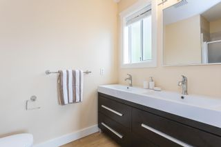 Photo 18: 2375 MOUNTAIN DRIVE in Abbotsford: Abbotsford East House for sale : MLS®# R2610988
