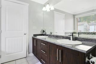 """Photo 10: 10666 248 Street in Maple Ridge: Thornhill MR House for sale in """"HIGHLAND VISTAS"""" : MLS®# R2552212"""