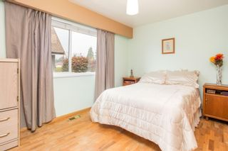 Photo 11: 726 SCHOOLHOUSE Street in Coquitlam: Central Coquitlam House for sale : MLS®# R2609829