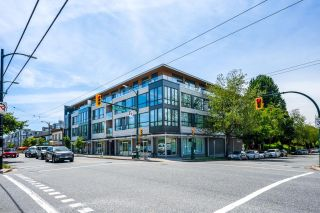 """Photo 1: 105 5325 WEST Boulevard in Vancouver: Kerrisdale Condo for sale in """"BOULEVARD PRIVATE RESIDENCES"""" (Vancouver West)  : MLS®# R2608646"""