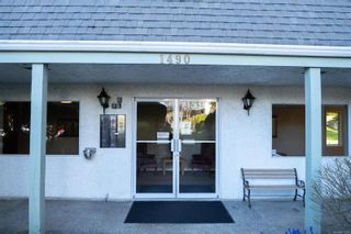 Photo 2: 112 1490 Garnet Rd in : SE Cedar Hill Condo for sale (Saanich East)  : MLS®# 872396