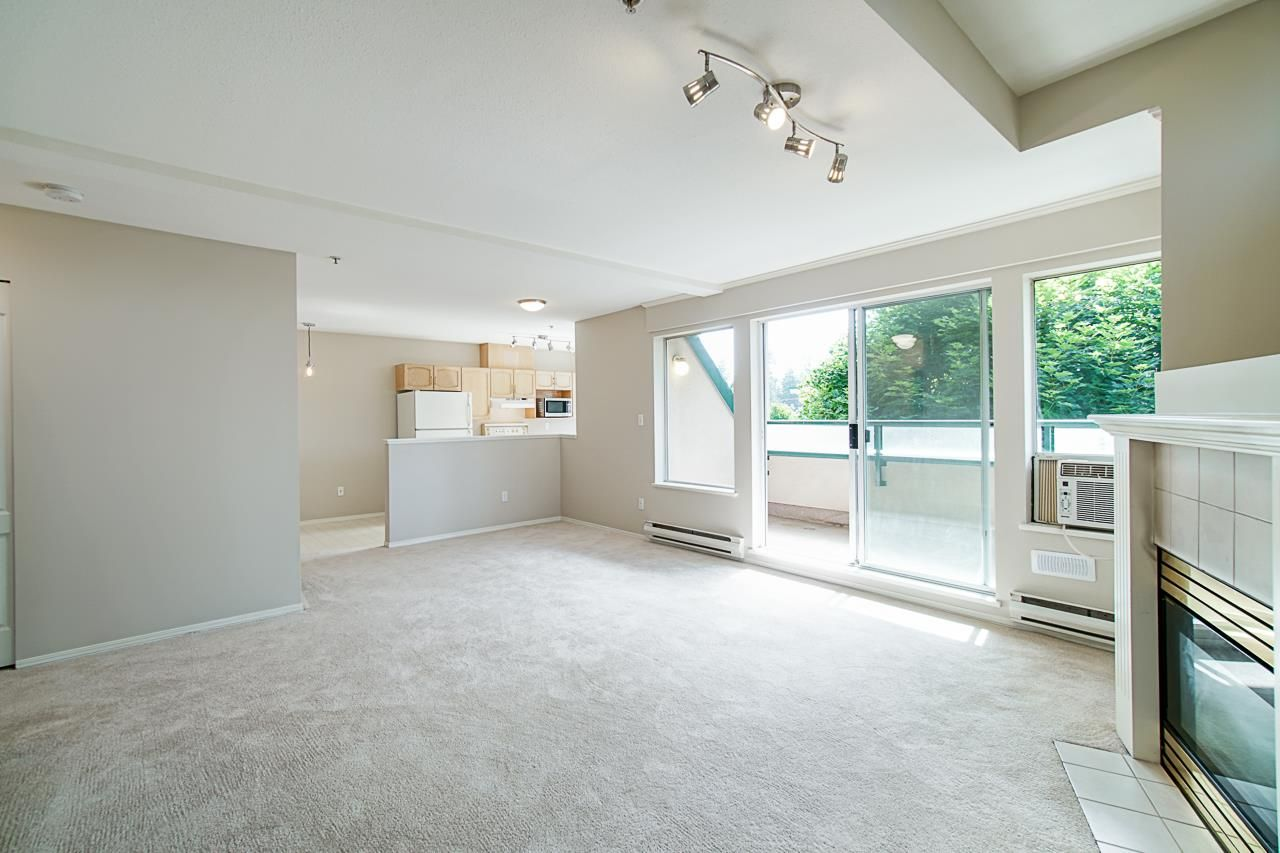 Photo 14: Photos: 306 2962 TRETHEWEY STREET in Abbotsford: Abbotsford West Condo for sale : MLS®# R2470028