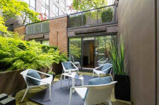 """Photo 1: 1063 HOMER Street in Vancouver: Yaletown Townhouse for sale in """"Domus"""" (Vancouver West)  : MLS®# R2591006"""