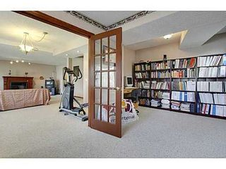 Photo 17: 20 EDGEBROOK Circle NW in Calgary: 2 Storey for sale : MLS®# C3569549