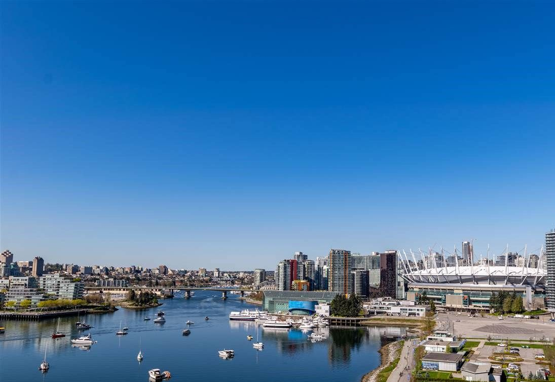 "Main Photo: 1605 120 MILROSS Avenue in Vancouver: Downtown VE Condo for sale in ""THE BRIGHTON BY BOSA"" (Vancouver East)  : MLS®# R2568798"