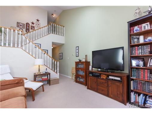 Photo 8: Photos: 9 130 Niagara St in VICTORIA: Vi James Bay Row/Townhouse for sale (Victoria)  : MLS®# 729470