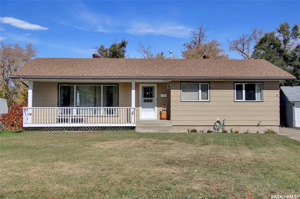 Main Photo: 11 Echo Drive in Fort Qu'Appelle: Residential for sale : MLS®# SK871725