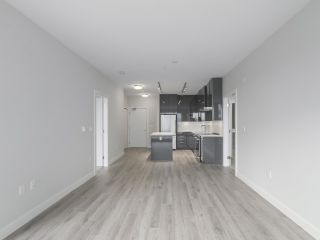 """Photo 6: 104 1768 GILMORE Avenue in Burnaby: Brentwood Park Condo for sale in """"Escala"""" (Burnaby North)  : MLS®# R2398729"""
