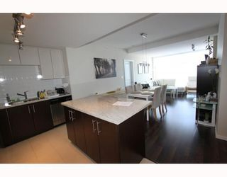"""Photo 1: 2905 2289 YUKON Crescent in Burnaby: Brentwood Park Condo for sale in """"Watercolours"""" (Burnaby North)  : MLS®# V777043"""