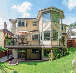 """Photo 2: 15 PARKGLEN Place in Port Moody: Heritage Mountain House for sale in """"HERITAGE MOUNTAIN"""" : MLS®# R2207752"""