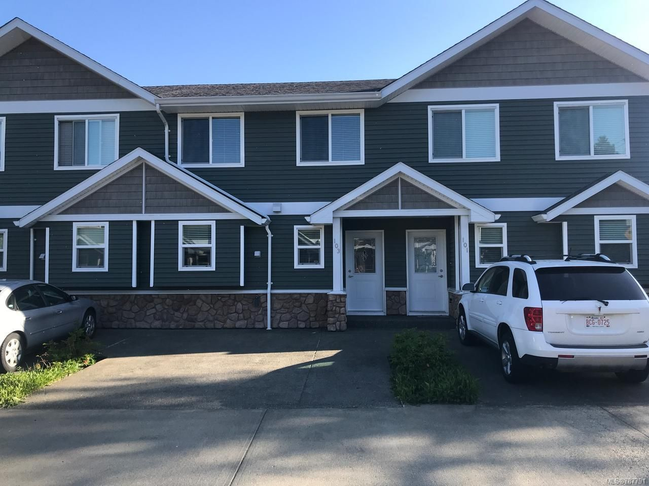Main Photo: 103 170 CENTENNIAL DRIVE in COURTENAY: CV Courtenay East Row/Townhouse for sale (Comox Valley)  : MLS®# 787791