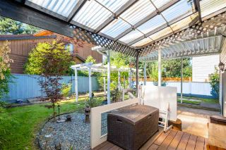 """Photo 28: 15667 101 Avenue in Surrey: Guildford House for sale in """"Somerset"""" (North Surrey)  : MLS®# R2481951"""