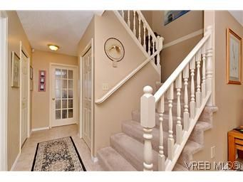Photo 5: Photos: 3 10045 Fifth St in SIDNEY: Si Sidney North-East Row/Townhouse for sale (Sidney)  : MLS®# 595091