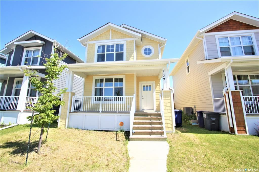 Main Photo: 439 Eaton Lane in Saskatoon: Rosewood Residential for sale : MLS®# SK813989