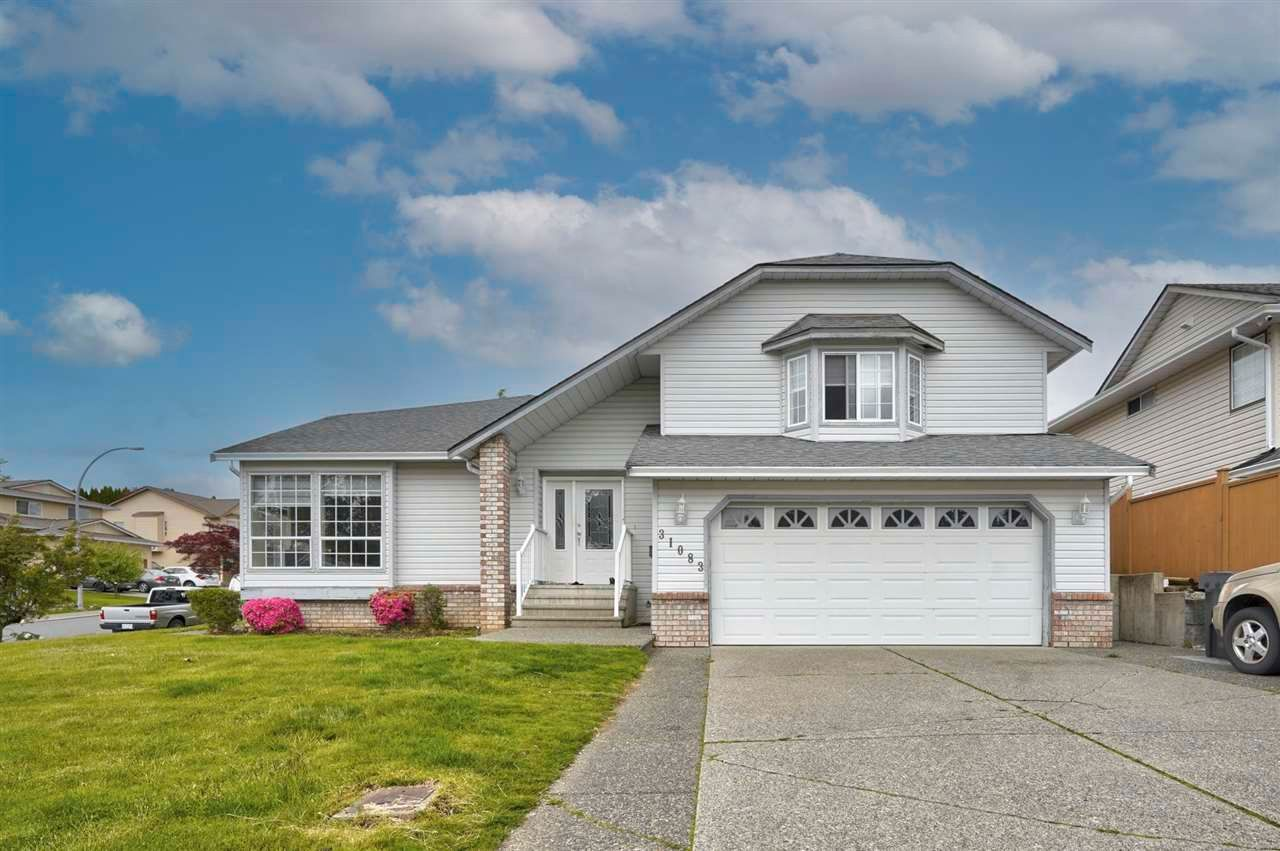 """Main Photo: 31083 CREEKSIDE Drive in Abbotsford: Abbotsford West House for sale in """"NORTH-WEST ABBOTSFORD"""" : MLS®# R2578389"""