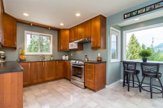 Photo 5: 2263 PARK Crescent in Coquitlam: Chineside House for sale : MLS®# R2277200